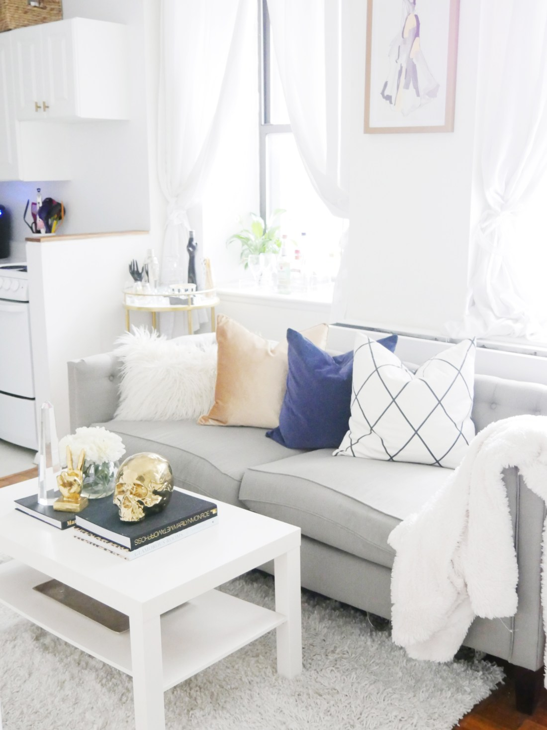 Its Important To Add A Certain Amount Of Color Your Home Even If Is Mostly Neutral Toned My Apartment Many People Feel Hesitant Adding