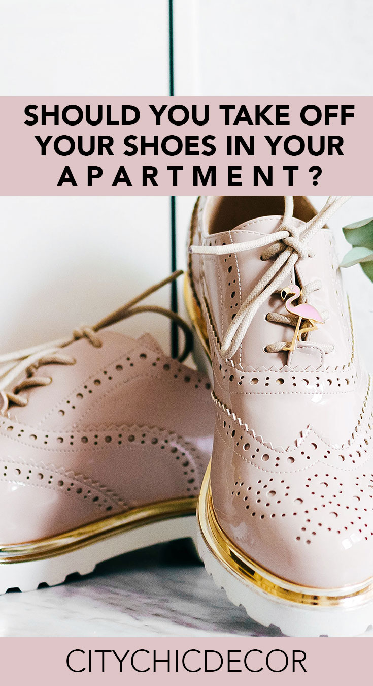 Live in a small apartment? Struggle with whether or not you should ask your guests to take their shoes off when entering your home? You'll be surprised by the answer!  #smalllivingroomideas #smallapartmentdecorating #smallapartmentideas #cleaninghacks