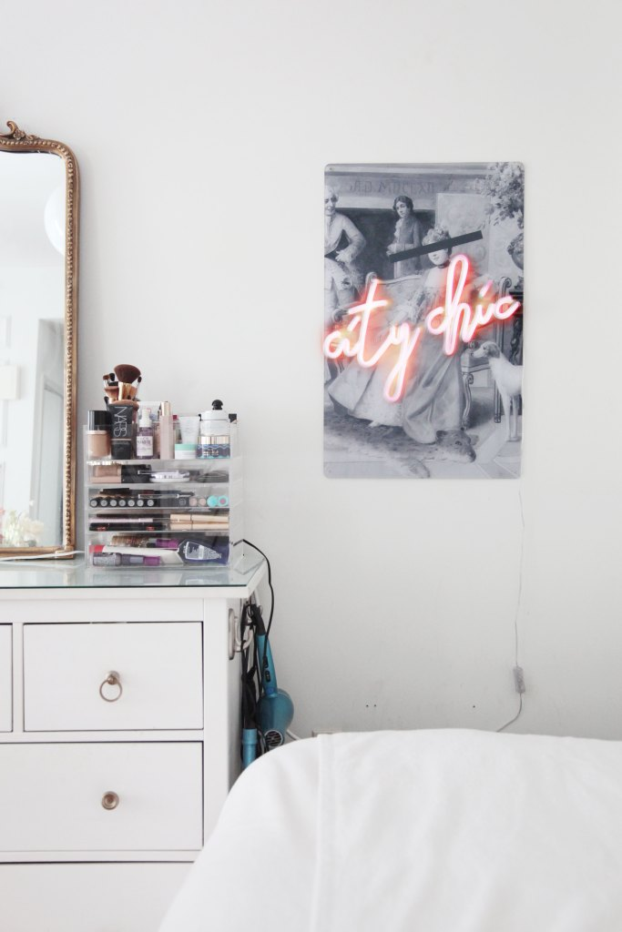 Unique Ways to Decorate Your Rental Walls