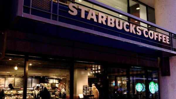Starbucks Relaxes Employee Dress Code