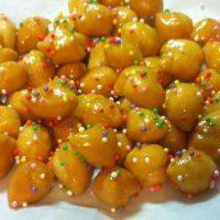 Come preparare la pignolata, il dolce tipico di Carnevale
