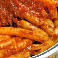 I Maccheroni al sugo calabresi: la ricetta e come prepararli