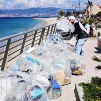 'Ripuliamo le spiagge', l'iniziativa Legambiente fa tappa a Reggio Calabria e provincia