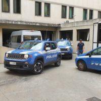 Operazione Libro Nero, l'uscita degli arrestati dalla Questura di Reggio