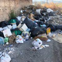 """""""Basta rifiuti"""", la proposta di un gruppo di cittadini"""