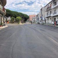 Lavori sull'asfalto nel quartiere Modena, i reggini:
