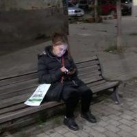 Calabria, dorme su una panchina per non perdere il lavoro: la storia di Grazia