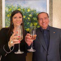 Elezioni Calabria 2020: il brindisi della vittoria targato Berlusconi-Santelli