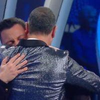 Sanremo, Tiziano Ferro si commuove cantando Mia Martini