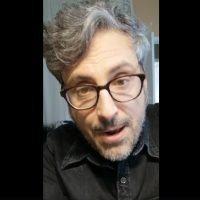 Coronavirus - 'Stativi a casa', l'invito del cantautore calabrese Brunori - VIDEO