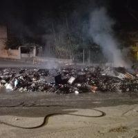 Rifiuti incendiati ad Archi, Castorina: 'Un gesto ignobile' - VIDEO