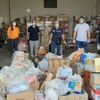 I poliziotti reggini donano beni di prima necessità al Banco Alimentare - FOTO