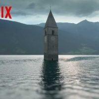 Curon, la nuova serie Netflix porta la firma del regista reggino Fabio Mollo