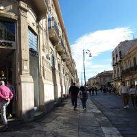 Reggio e la voglia di ripartire: negozi aperti anche il 2 giugno - FOTO
