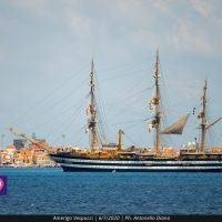 La 'più bella nave del mondo' incanta lo Stretto: il passaggio dell'Amerigo Vespucci - FOTO