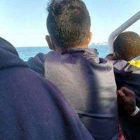 Sbarchi in Calabria, migranti positivi al COVID in quarantena anche a Reggio?