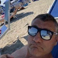 Bobo Vieri in vacanza a Palmi: 'Mare spettacolare. Voto 10' - FOTO