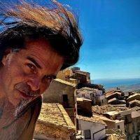 Anche Piero Pelù sceglie la Calabria per le sue vacanze
