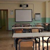 Reggio, posticipata l'apertura delle scuole