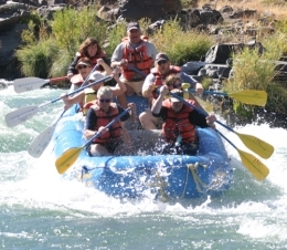 River Rafting along the Deschutes
