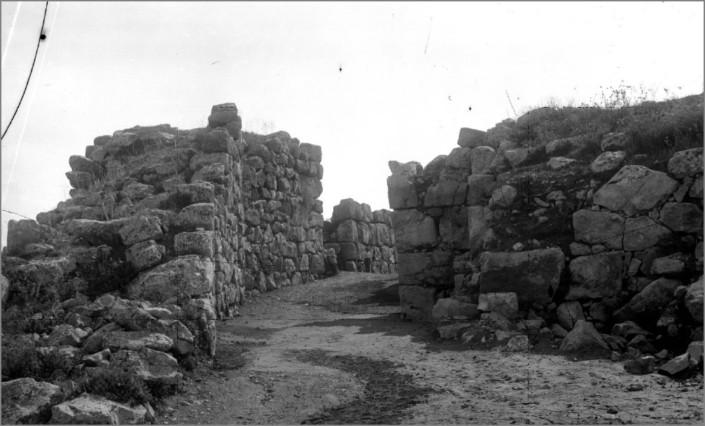 tiryntha_1913