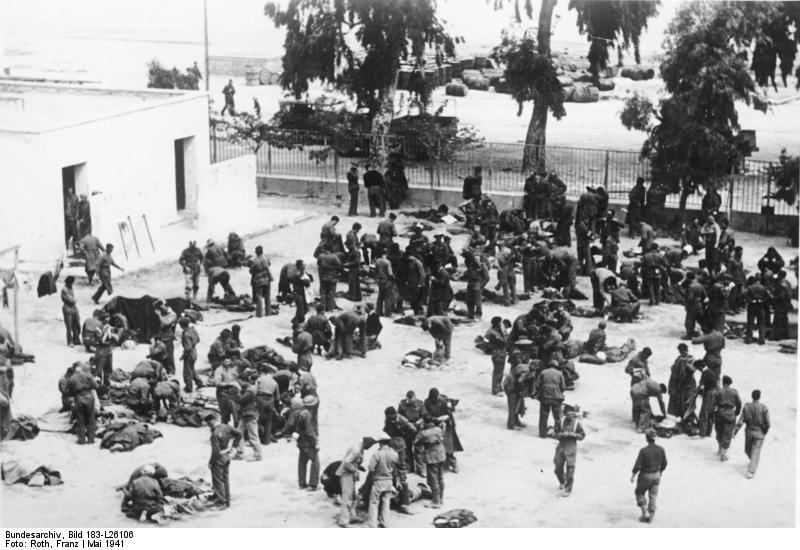 Bundesarchiv_Bild_183-L26106,_Griechenland,_Nauplion,_Englische_Kriegsgefangene (1)