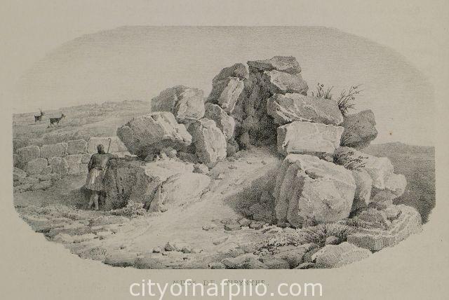 Άποψη των τειχών της αρχαίας Τίρυνθας.