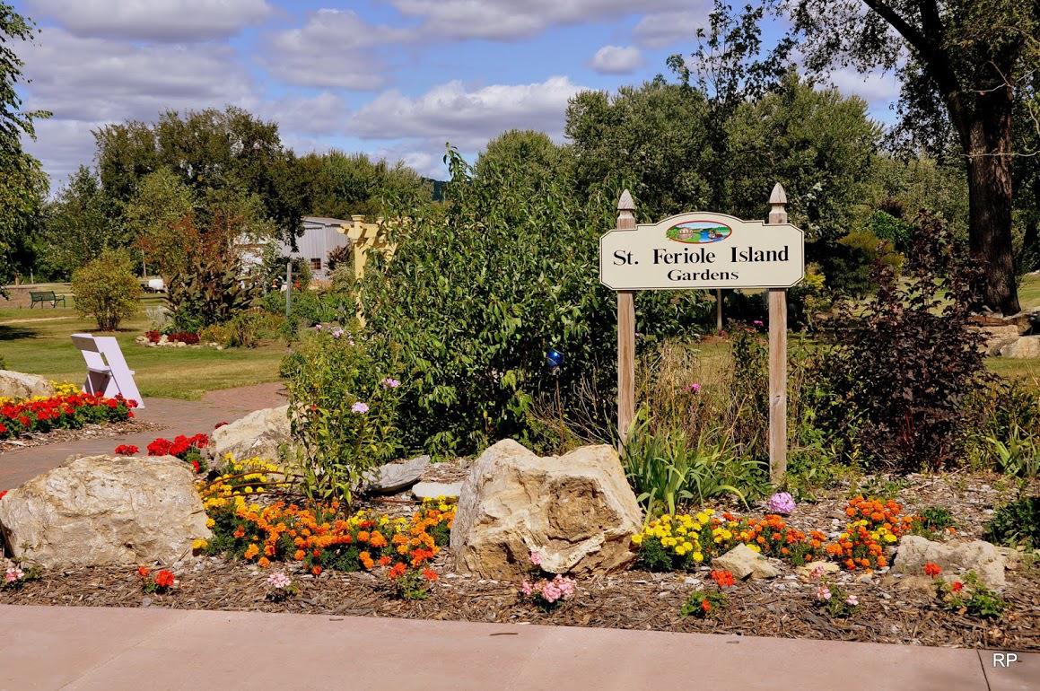 St Feriole Island Memorial Gardens – City of Prairie du Chien, WI