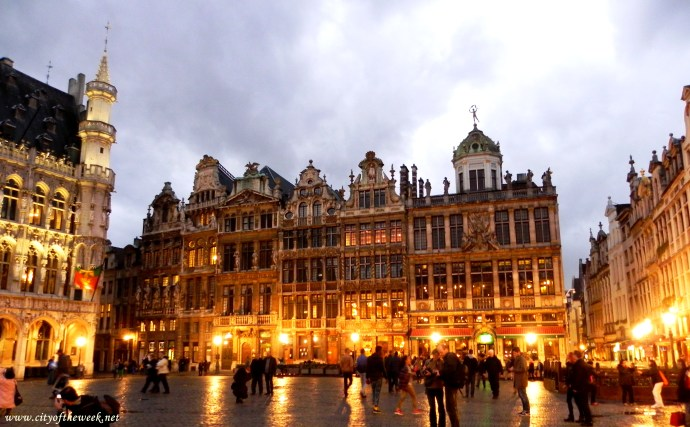 Grote Markt at night