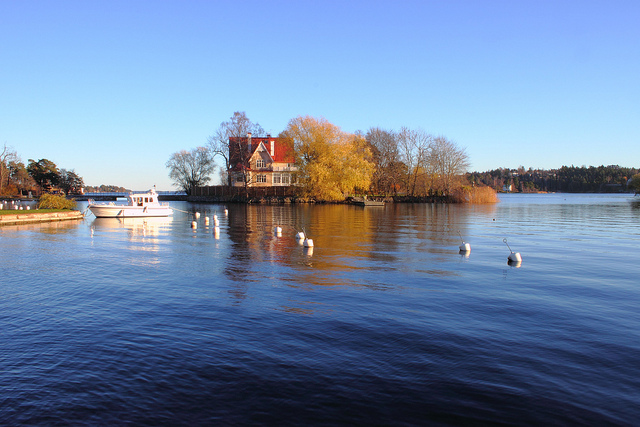 Autumn in the Djursholm district - image via Flickr by Solis Invicti