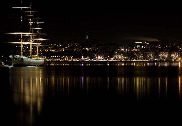 the floating hostel - image via Flickr by Pelle Sten