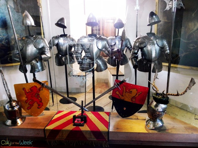 The medieval armor weighed between 20 and 45 kg