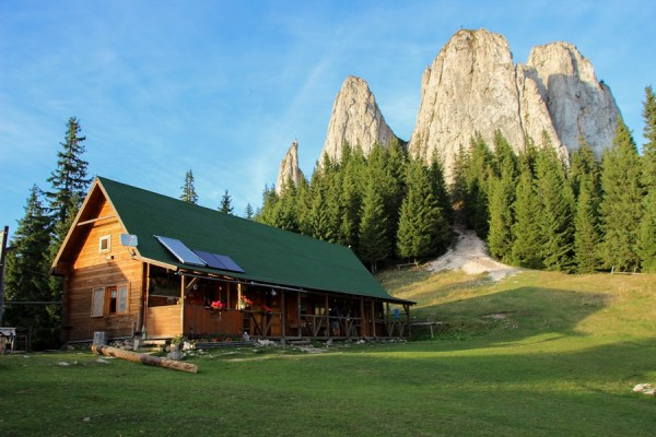 3 Best Hikes in the Hasmas Mountains of Romania