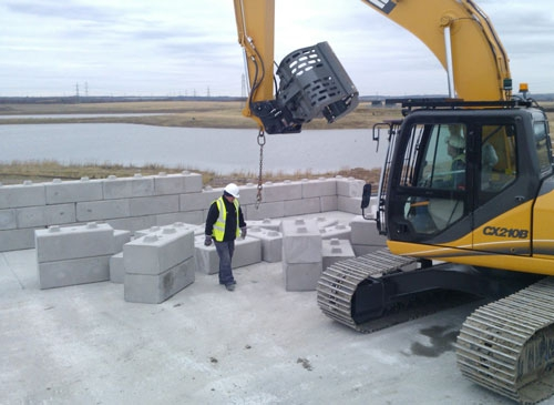 salt pit walls made from stackable concrete blocks