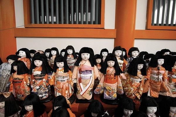 1982年日本直播節目拍攝詛咒人形娃娃發生的事件... - 話題閒聊交流版 ::::Citytalk城市通