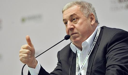 Михаил Гуцериев побил собственный рекорд наглавном музыкальном фестивале страны