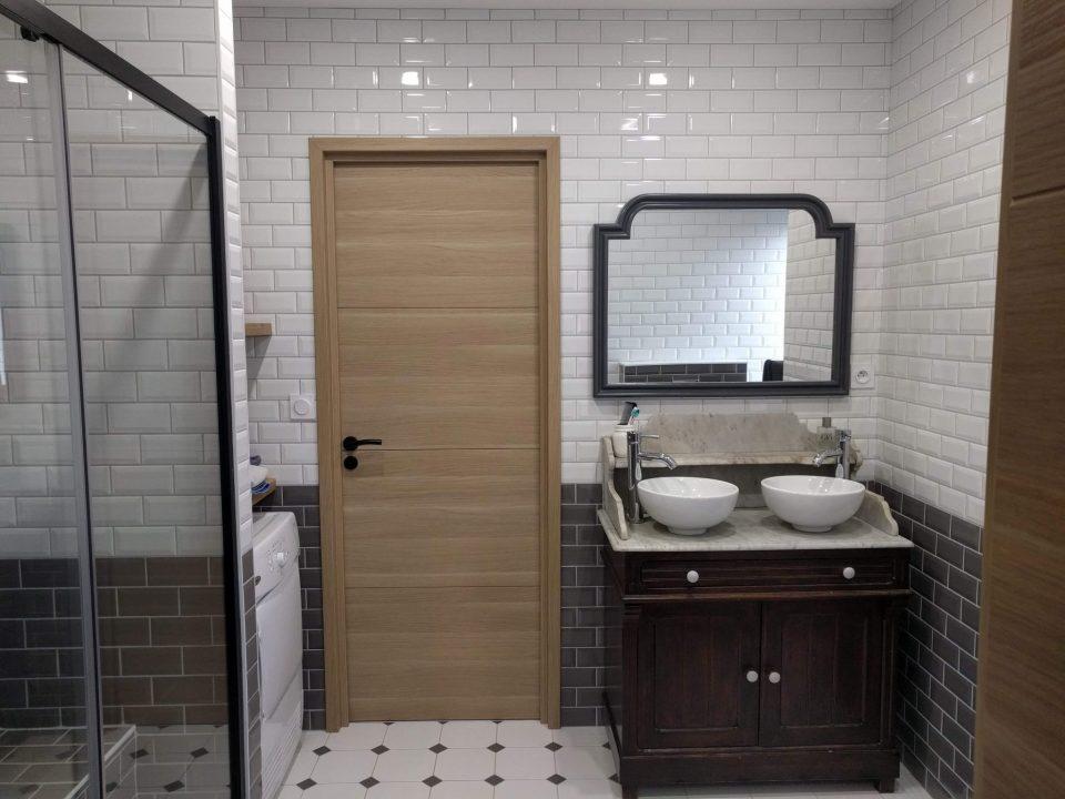 salle de bains métro, meuble vasque de récup, agence cityzend