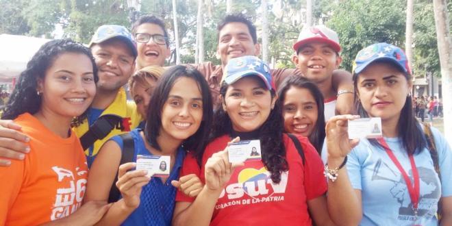 Barquisimetanos muestran su entusiasmo por el carnet de la patria
