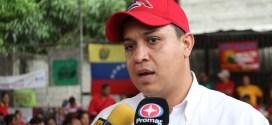 (+Video) Diputado Willian Gil acompañó a la juventud larenses en jornada de carnetización