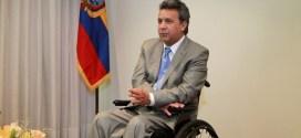 Sondeo da ventaja a Moreno ante Lasso en elecciones en Ecuador