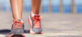 Caminar ayuda a controlar flujo sanguíneo al cerebro