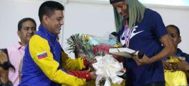 Vea como recibió Venezuela a la campeona mundial Yulimar Rojas