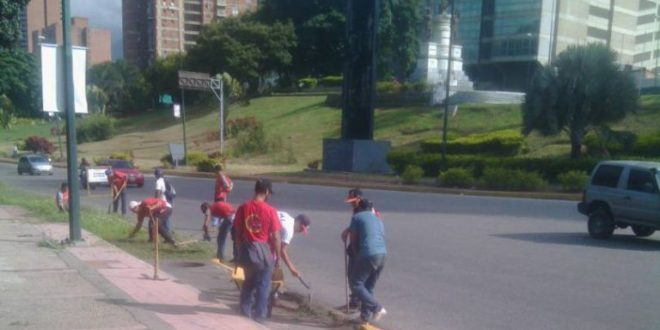 Plan Por Amor a Caracas le hizo un cariñito a Plaza Venezuela