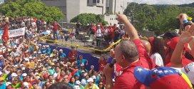 Miles de patriotas recorrieron las calles en marcha contra el imperialismo