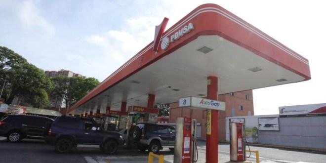 ATENCIÓN NUEVAS BOMBAS SE INCORPORAN / Este domingo se recibe gasolina en Lara (+LISTADO + NÚMERO DE PLACA)