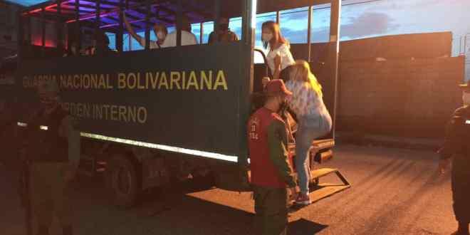 ¡OJO LICORERÍAS! Ciudadanos detenidos en Morán y Palavecino por ingesta de licores en sitios públicos (+FOTOS)