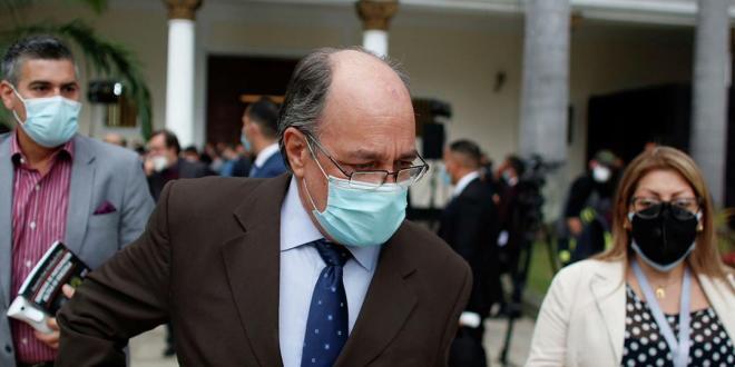 INSTALADOS NUEVOS RECTORES / Pedro Calzadilla asume la presidencia del CNE