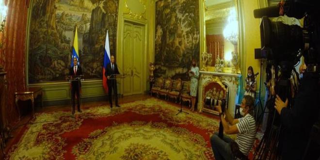 Venezuela firma contrato con Rusia para producción de la EpiVac Corona