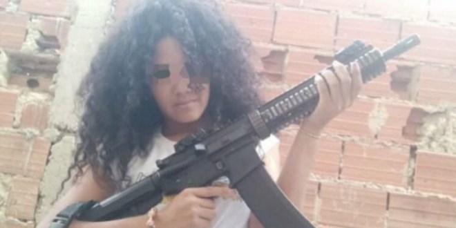 CICPC detiene a la Pelúa en Fuerte Tiuna, la «sexy» garitera de la banda del Koki (+FOTOS)