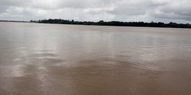 Emiten alerta roja por posible desborde del río Orinoco